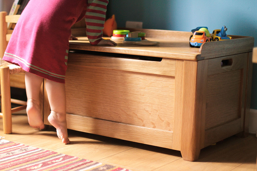 Solid Oak Toy Box / Seat - Chapman Bespoke Woodwork